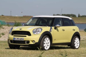 0607_Mini_Countryman_Bright_Yellow