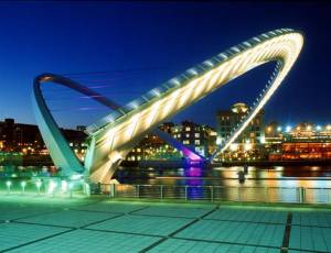 gateshead-millennium-bridge-uk[1]