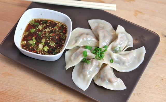 Jiaozi_chinese_dumpling_profile