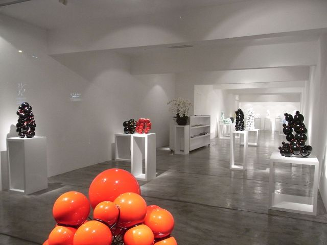 1024px-HK_Sheung_Wan_220_Hollywood_Road_art_gallery_exhibition_hall_interior_June-2012